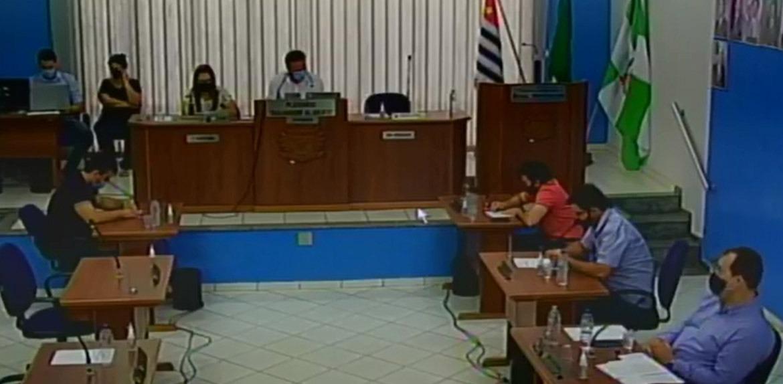 Justiça suspende sessão da câmara