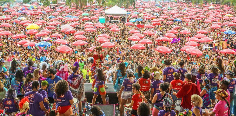 Veja a lista com as 50 músicas mais tocadas no carnaval