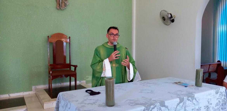 Paróquia de Santa Luzia tem novo pároco