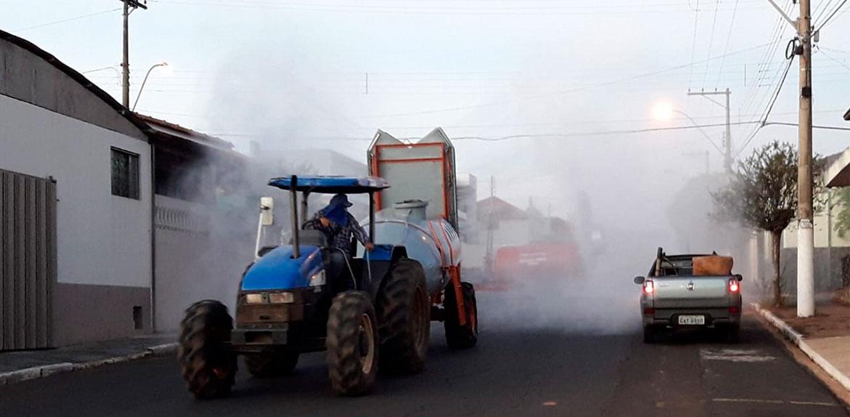 Vereadores pedem a prefeitura o retorno urgente da pulverização com água clorada das ruas de F. Prestes e Agulha